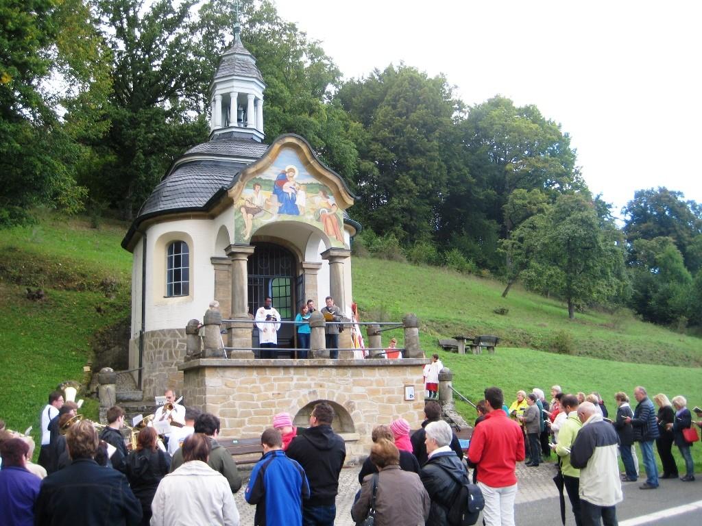 An der Erlacher Kapelle