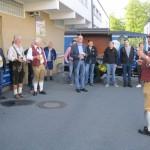 Hans Müller von der Weismainer Blasmusik begrüßt den Festwirt