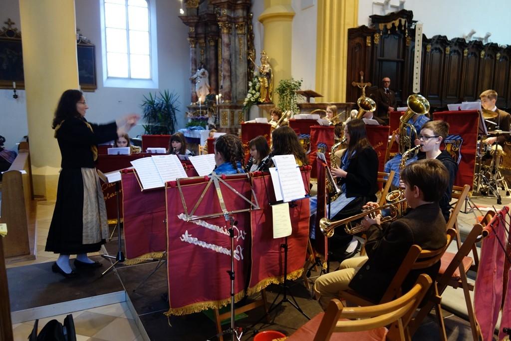 Die Jugendkapelle unter Leitung von Marion Müller-Eitzenberger